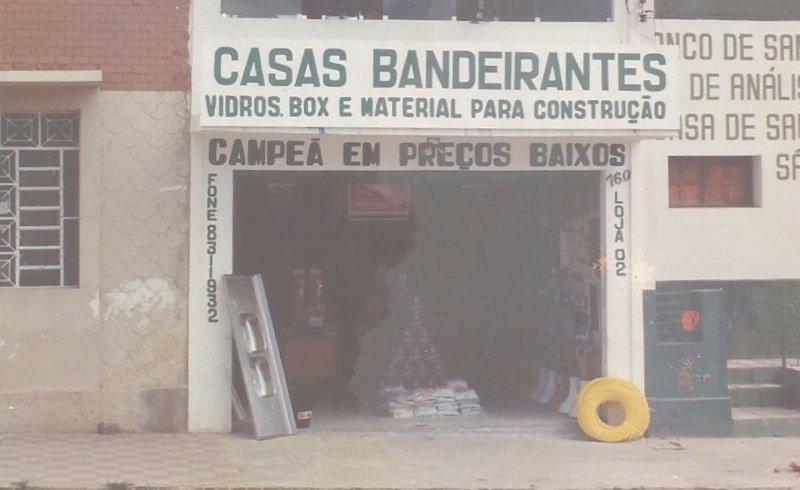 Em 1990 início da expansão da Casas Bandeirantes