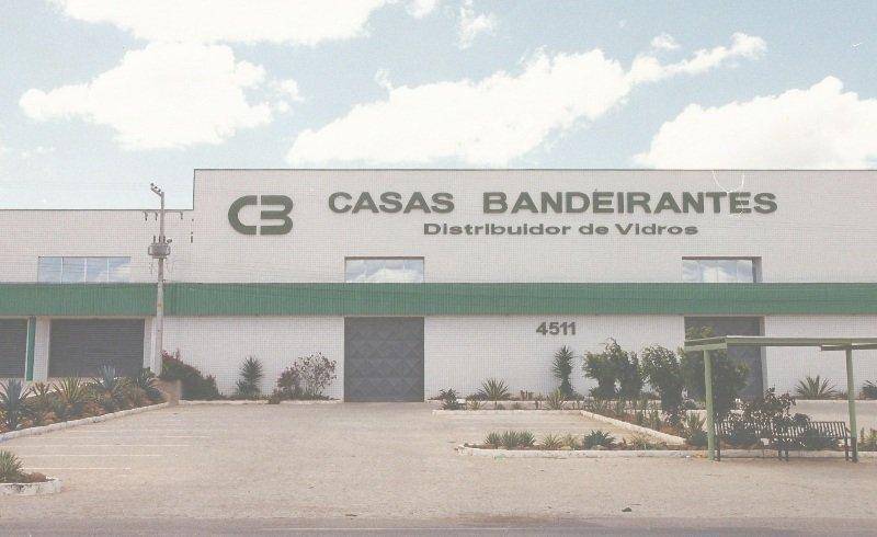 Em 2000 abertura da segunda filia da Casas Bandeirantes